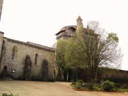le-donjon-de-bazoges-en-pareds